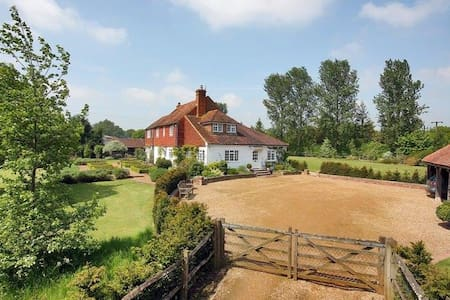 Idyllic Country Farmhouse - Rolvenden  - Casa