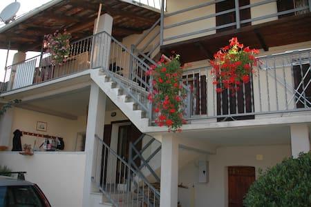 Stanza nel Borgo dei Boschi - Prarostino - Casa