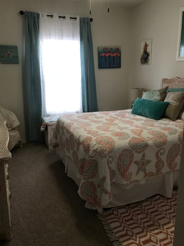 1 Very Nice non-smoking private bed and bath