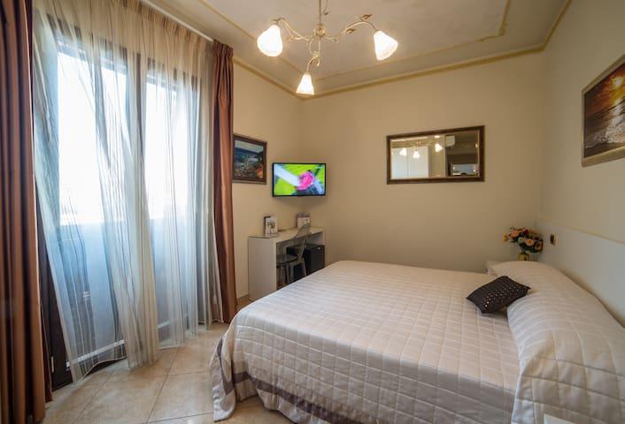 """En Suite """"Rubino"""" - Reggio Calabria - Bed & Breakfast"""