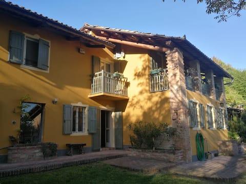 Cascina Grazia. Farmhouse on Monferrato Hills.