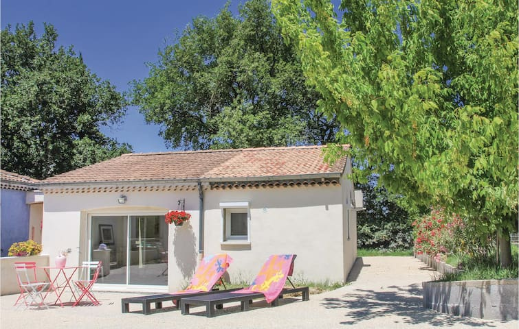 Holiday cottage with 1 bedroom on 52 m² in St. Gervais