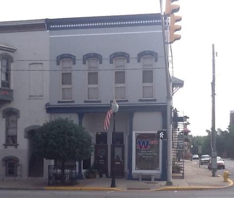 Historic 1884 Bldg. Studio Upper