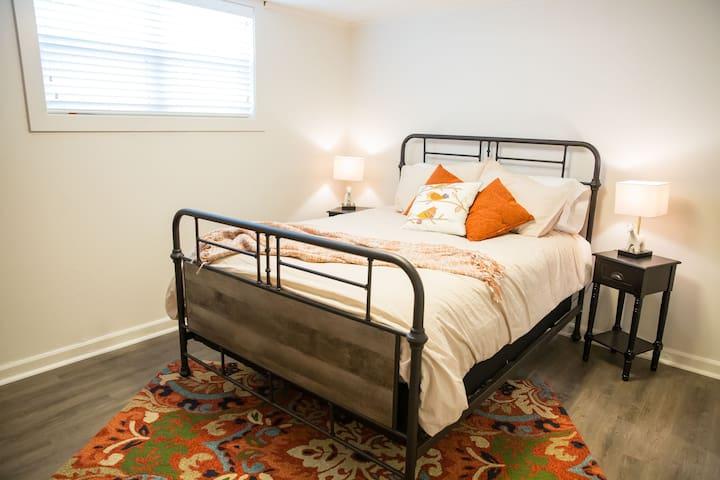 Bedroom with Queen Beds