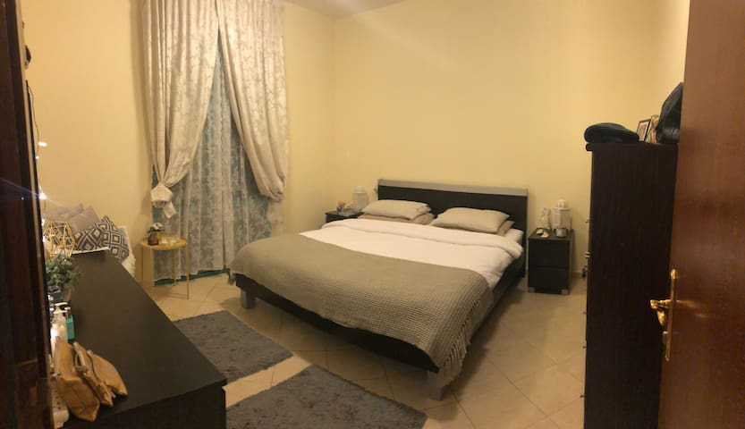 Spacious Furnished Bedroom - for Female guest only