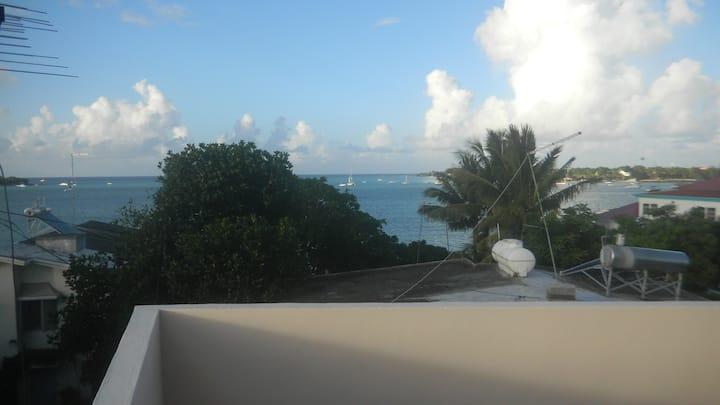 Studio au 2eme Etage -Grand Bay avec vue sur mer..