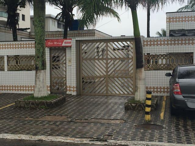 Casa na praia em condomínio fechado - Praia Grande - Casa