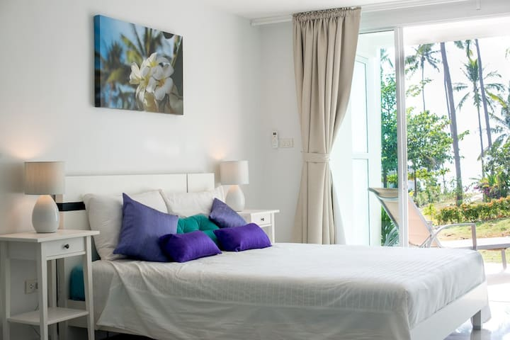 Spacious, stylish studio - pool & private beach - Ko Lanta - Appartement