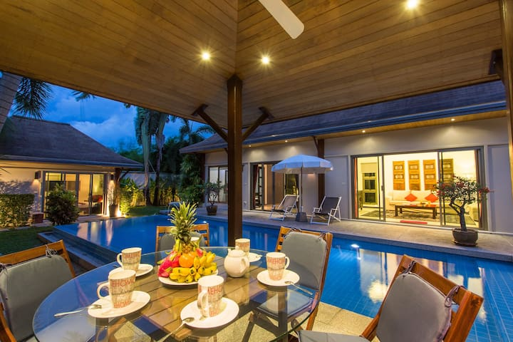 Boutique Villa Dinadi⭐Salt Pool⭐3 Bdrms, Naiharn