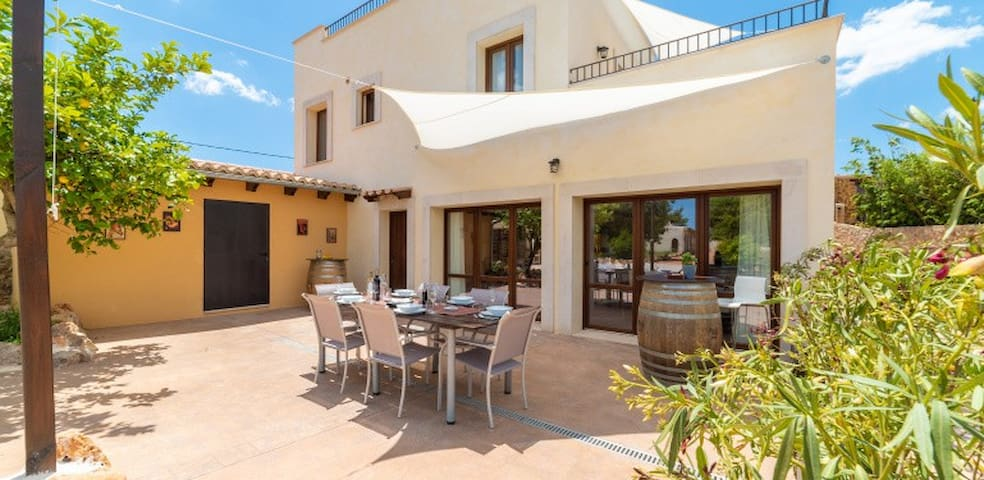 Fantastic one bedroom guesthouse - great location