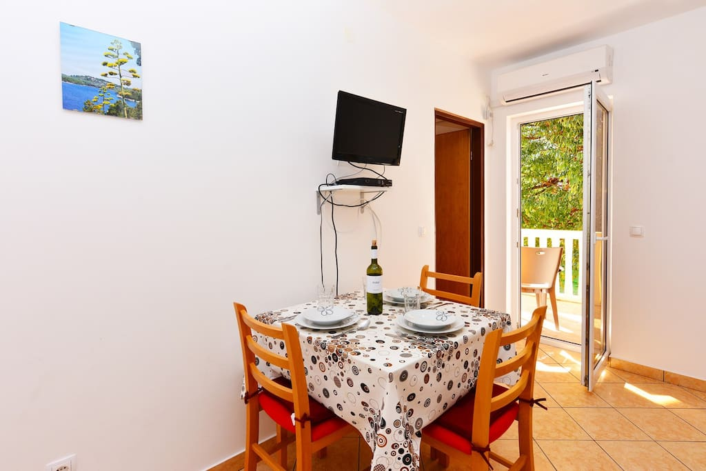 A1 Apartment Blue Beach Vodice Dining Room