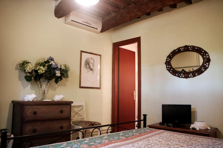 #6 Rosemary - Charming Tuscan Cottage