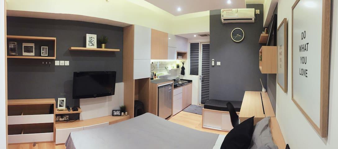 Cozy & Minimalist Apartment. Ciputat, Lebak Bulus