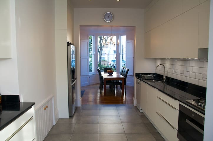 Large house, Close to Kings X & Finsbury Park