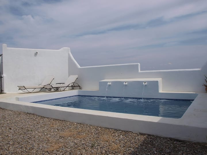 """Cosy Holiday Home """"Casa Dos Vientos"""" with Mountain View, Wi-Fi, Garden, Terraces & Pool; Parking Available, Pets Allowed"""