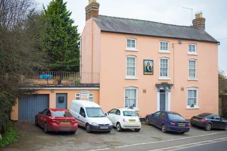 Admiral Benbow Inn Ruyton X1 Towns Shrewsbury. - Shrewsbury - Bed & Breakfast