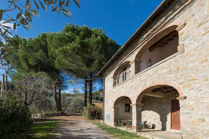 PINETA. Nice Tuscan Farmhouse Apartment - Figline Valdarno - Byt
