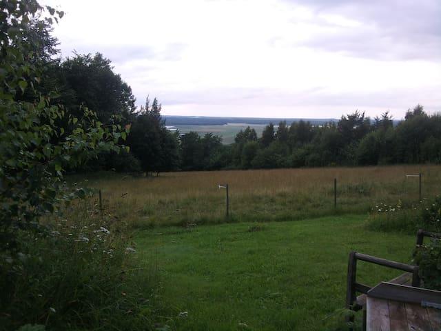 Axvall-Milsvid vy mot Hornborgasjön