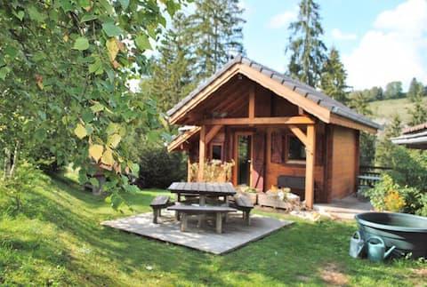 Famiglia tre lince cottage e bozzolo