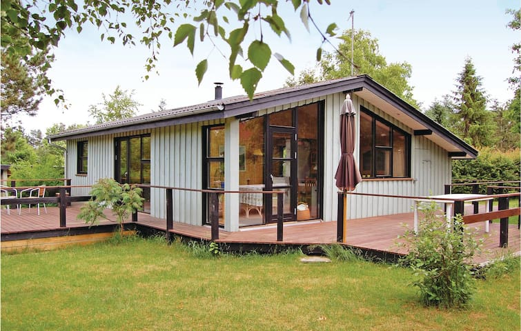 Holiday cottage with 3 bedrooms on 59 m² in Fårvang