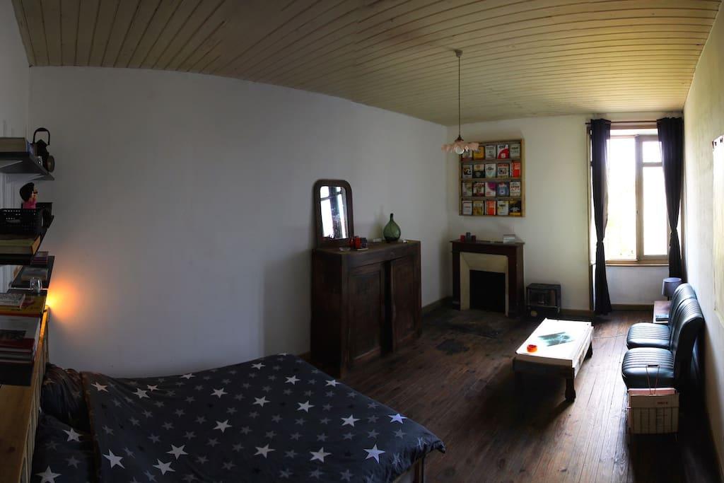 chambre chez l 39 habitant 20 m2 maisons louer assais les jumeaux aquitaine limousin. Black Bedroom Furniture Sets. Home Design Ideas