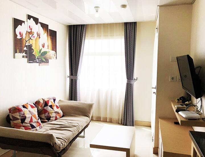 2BR Modern Apartemen Grand Asia Afrika