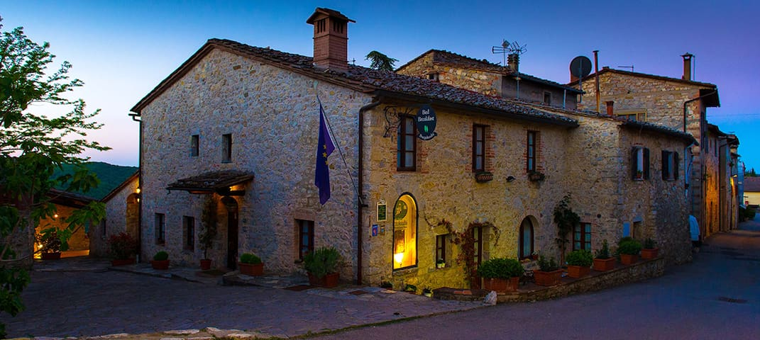 Charming Former B&B in Chianti - Lecchi in Chianti - House