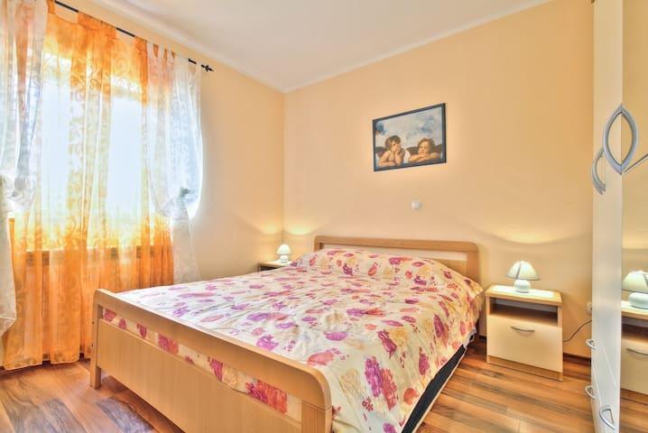 LORENA house with apartments / Lorena2 APARTMENT