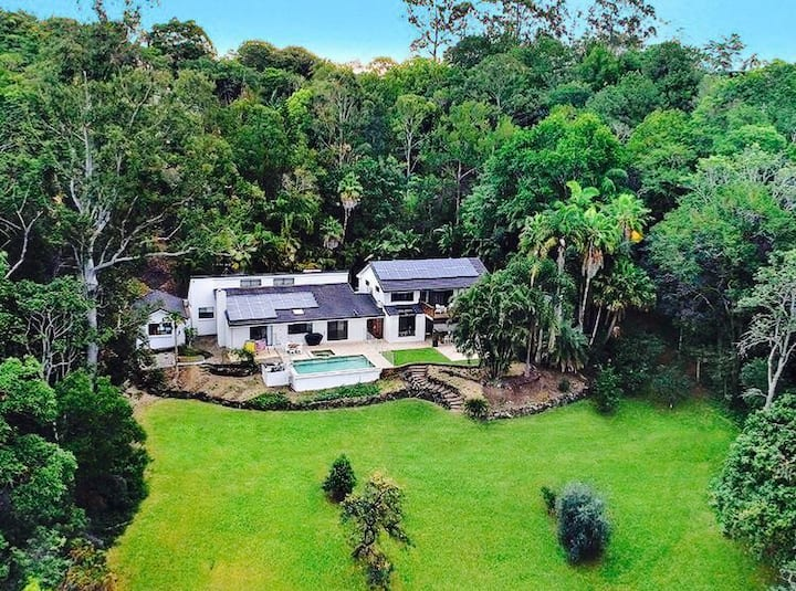 Private Rainforest Sanctuary With Ocean Views