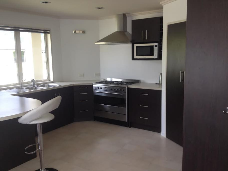 Fully equipped kitchen & pantry