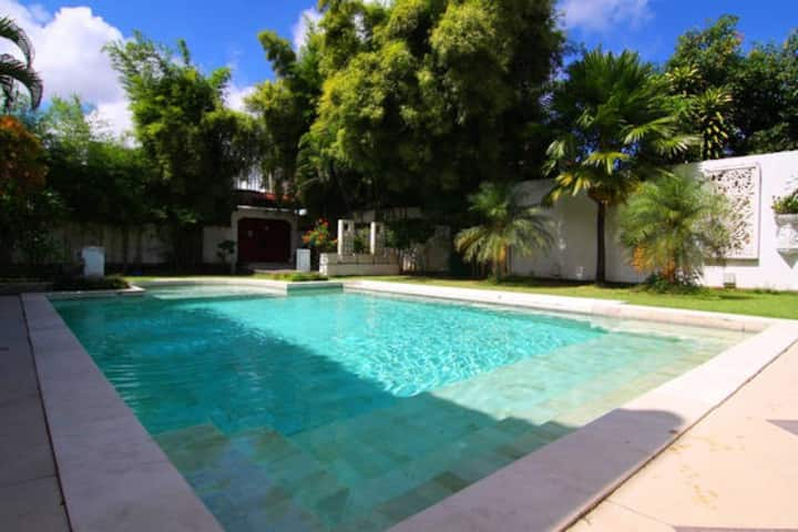 Dream 5br Villa in Legian Close to the Beach