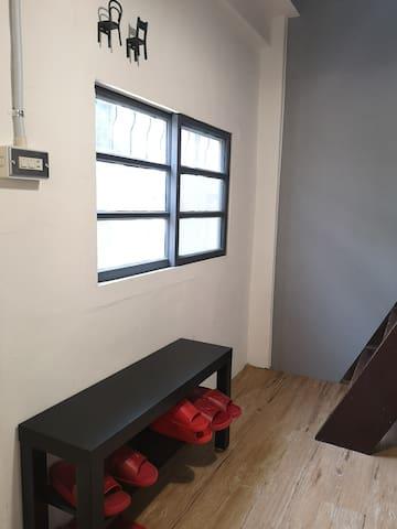 26行館 台東市區近海濱公園3間房間可住2-6人(1F有2間房間2F有1間房間)適合長輩同住