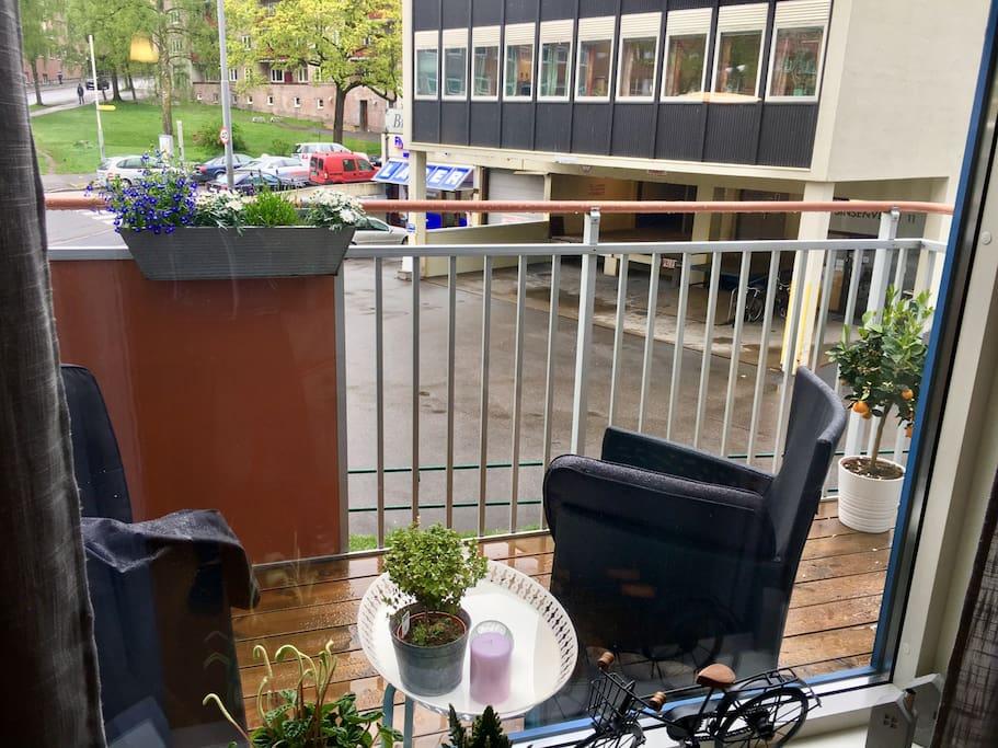 Balkong med morgensol, når det ikke regner...