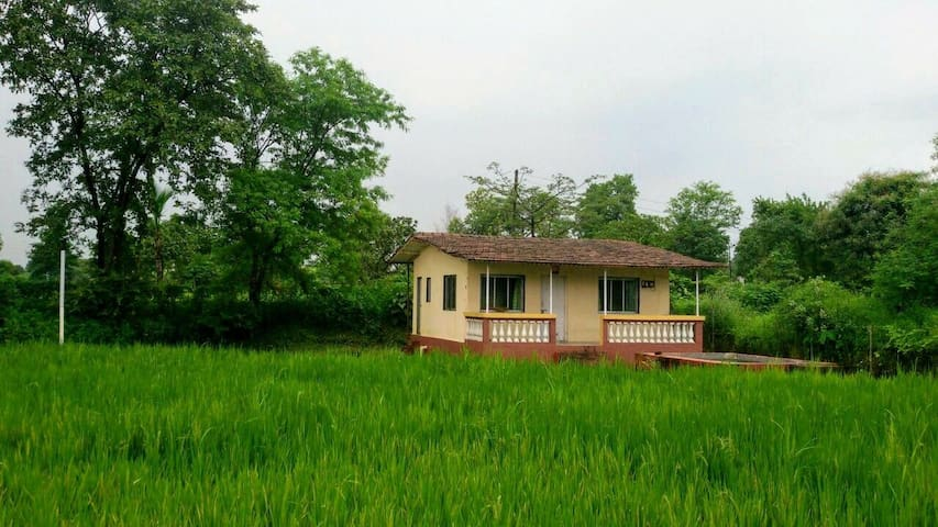Farmers Paradise- 1BHK Cottage in Karjat