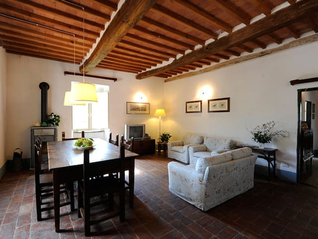 1) Country house with 7000m2 garden - Casano - Cabin