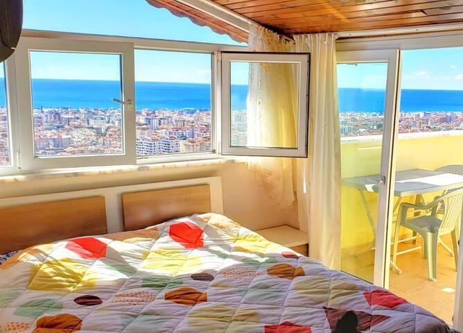 Lux Villa w/private pool. Sea, City, & Castle view