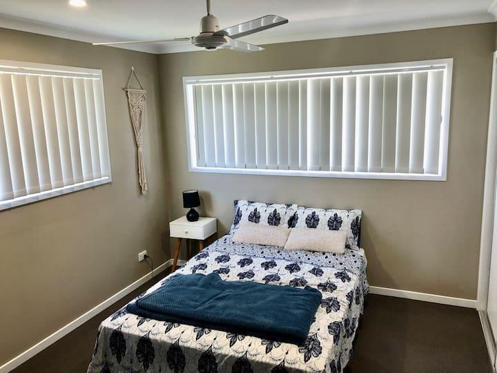Quiet Comfort Master Room Close to Noosa River