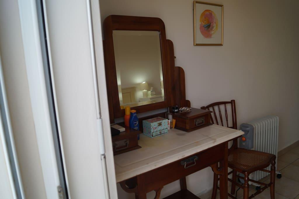Kommos furniture in the bedroom