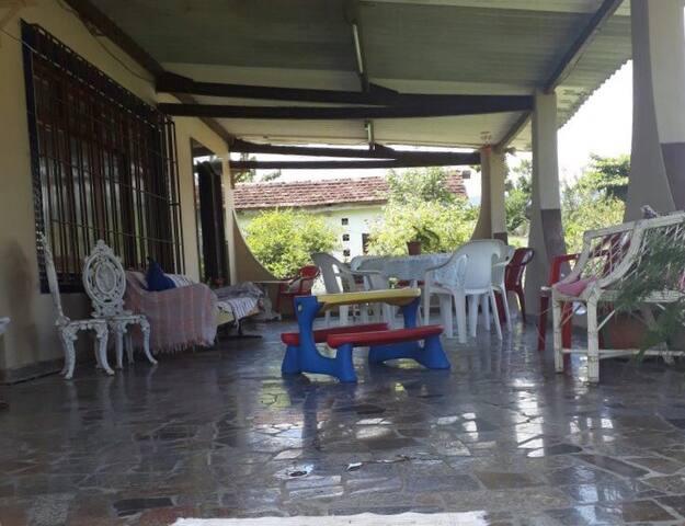Dormitório em Casa familiar  Recanto do Galo
