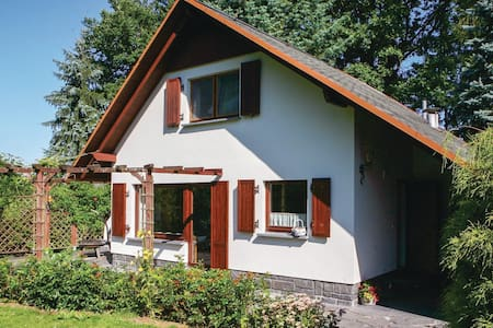 Holiday cottage with 2 bedrooms on 55m² in Lengenfeld/Plohn