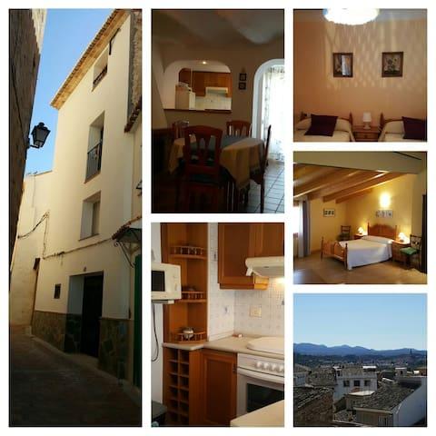 Entre Valencia, Teruel y Castellón - Viver - Haus