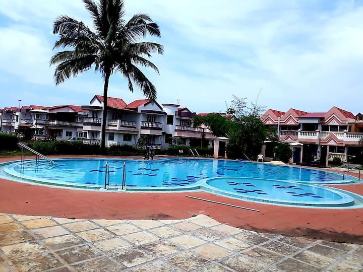 2 bedroom pool view apartment in lotus hermitage