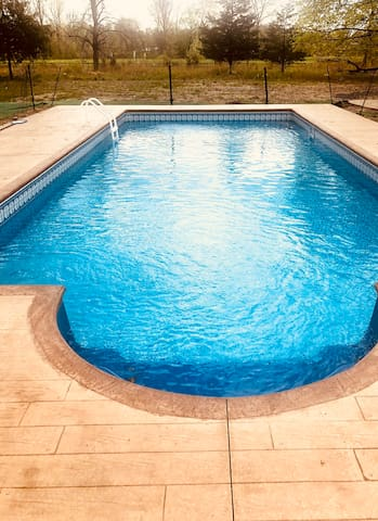 Entire Seperate House - in ground heated salt pool