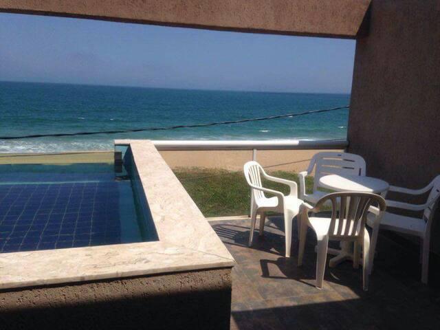 Casa em frente à praia de costazul 1 - Rio das Ostras