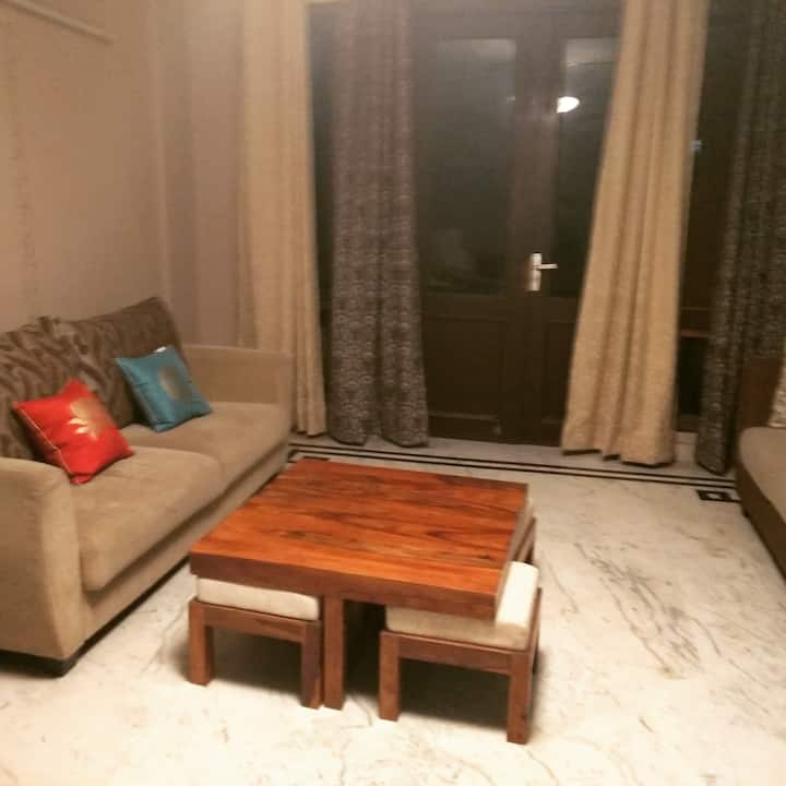 Fully furnished room available in Gurgaon