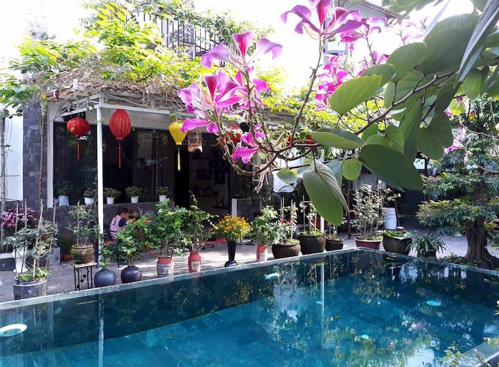 Orchid room-Nice room in Villa with pool & garden