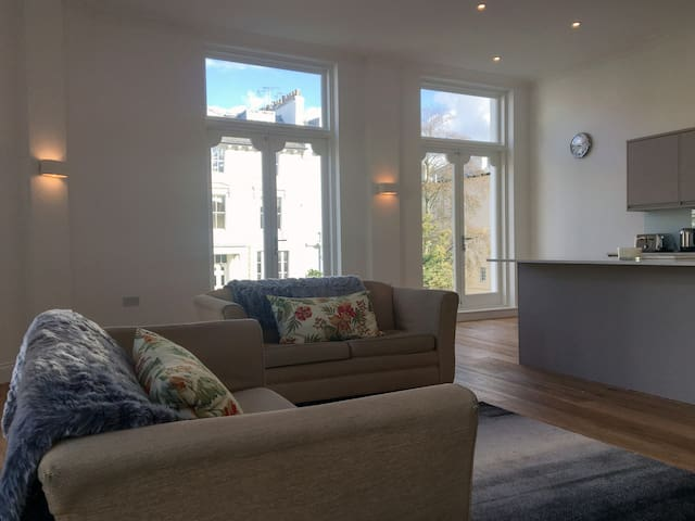 Stunning Luxury Apartment Belsize Park London NW3