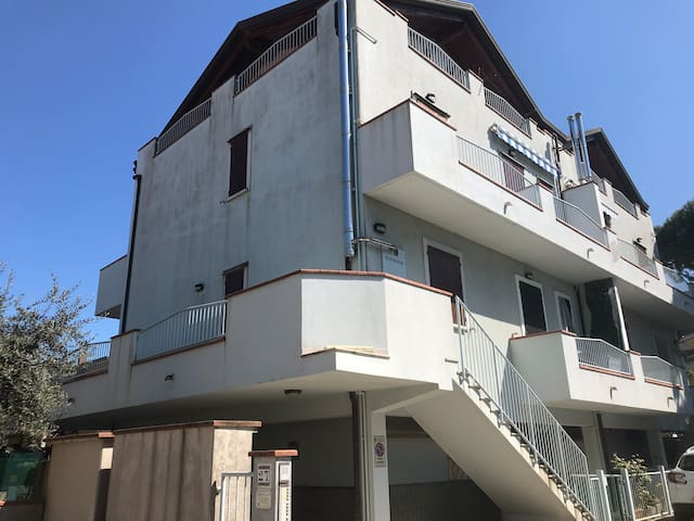 Appartamento con ampio balcone lido di savio