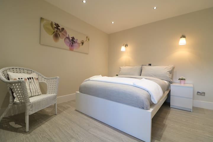 Brand New & Modern Studio Flat in Hounslow 18245