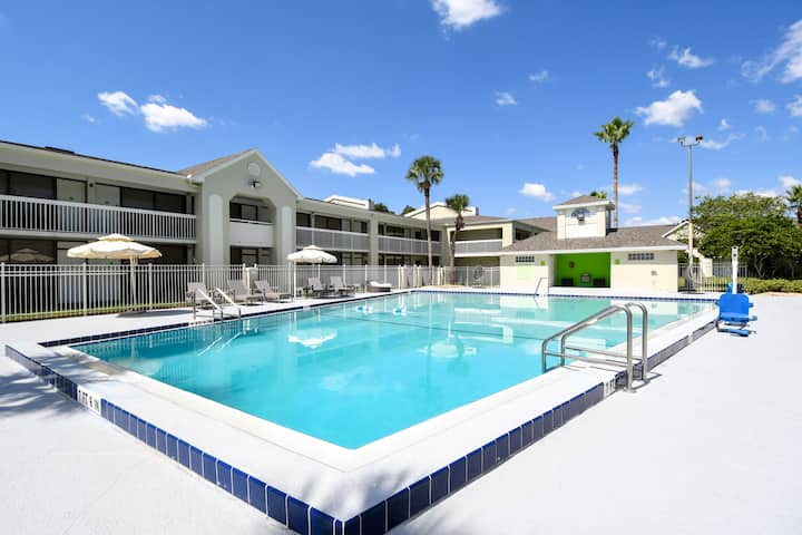 NEW!!! Disney Suites 4 people #41